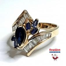 Золотое кольцо с природными сапфирами и бриллиантами