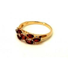Золотое кольцо с гранатом и цирконием