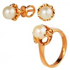 Золотой комплект с жемчугом: кольцо и серьги