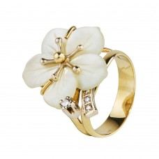 Золотой комплект: кольцо с бриллиантами и кулон
