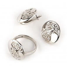 Серебряный комплект: кольцо и серьги