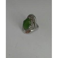 Серебряное кольцо с зеленым корундом