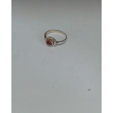 Серебряное кольцо с рубиновым корундом