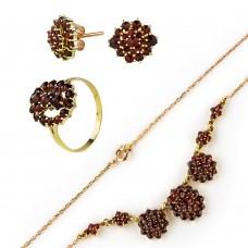 Золотой комплект с гранатом(серьги, кольцо и колье)