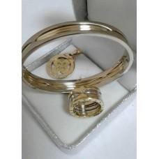 Золотой комплект Bvlgari: кольцо, браслет, кулон